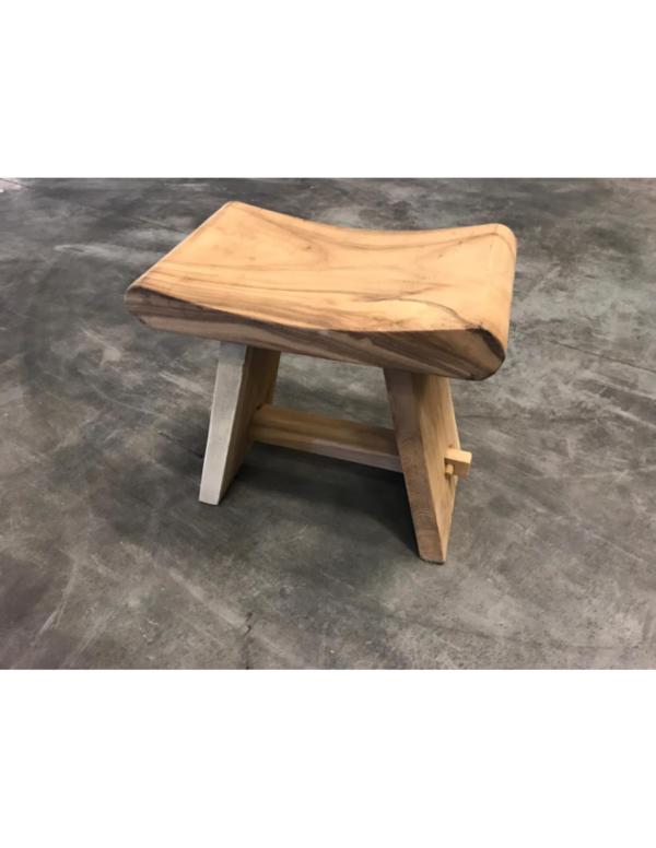 suar houten kruk